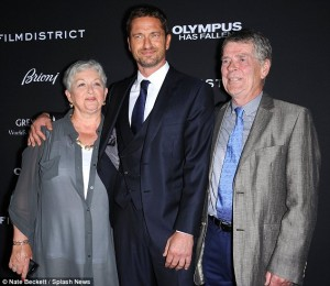 Gerard Butler with Parents at Olympus Premier